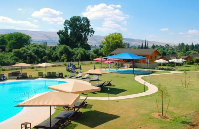 הוילג' מלון מטיילים על הירדן