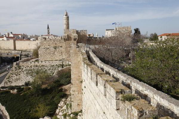 טיול על חומות ירושלים